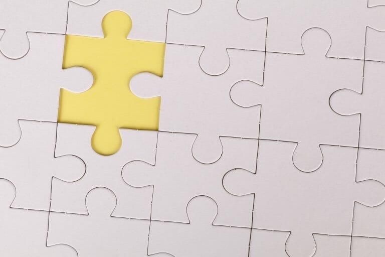 TOC - quebra-cabeça com um peça faltando