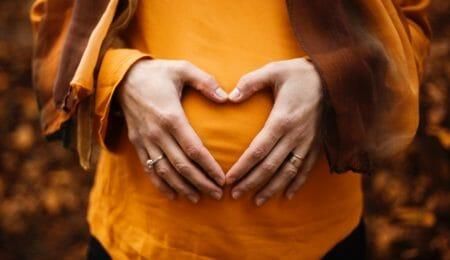 mulher gravida sem usar DIU