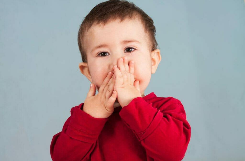 Atraso na fala infantil: devo me preocupar? 10 sinais alerta