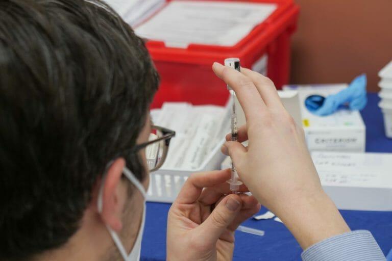 vacina estudos