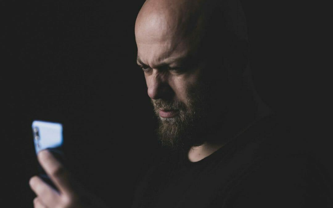 Celular e depressão: usar o celular pode te deixar depressivo!
