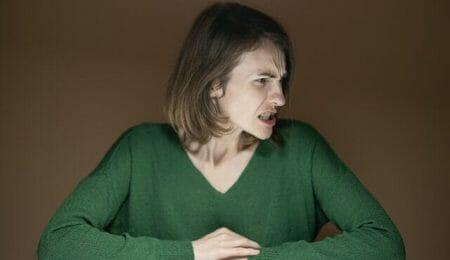 mulher brava por dizer não