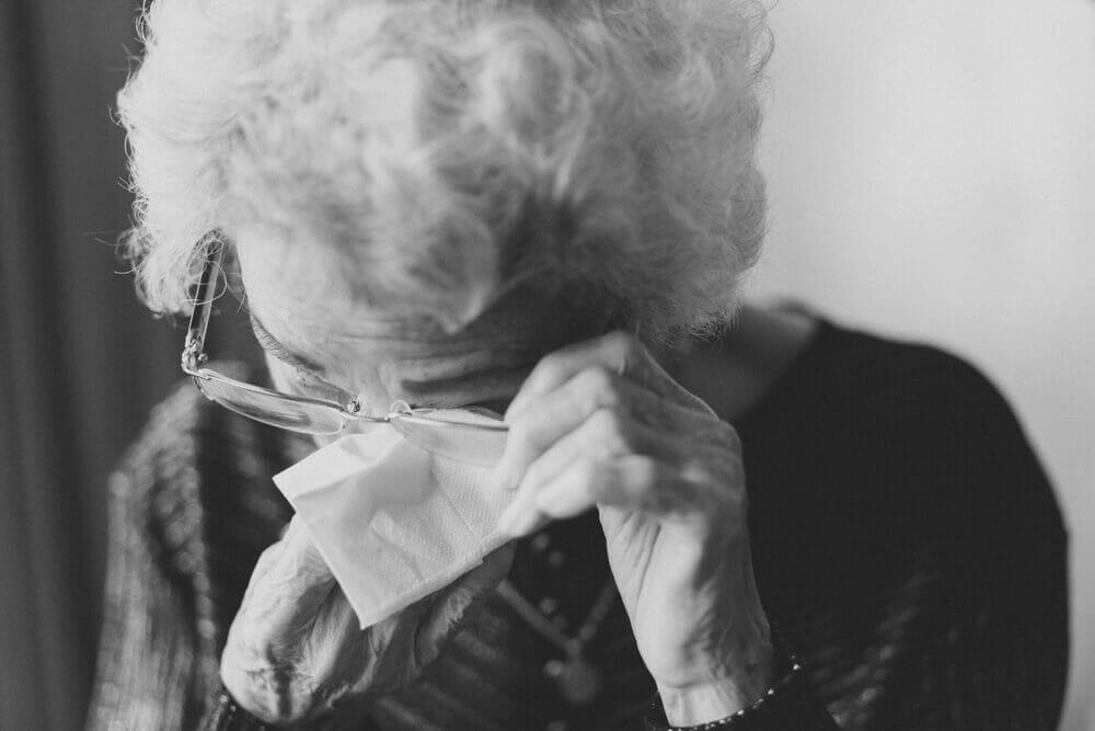 Como lidar com o luto? Dicas de psicólogos para horas difíceis